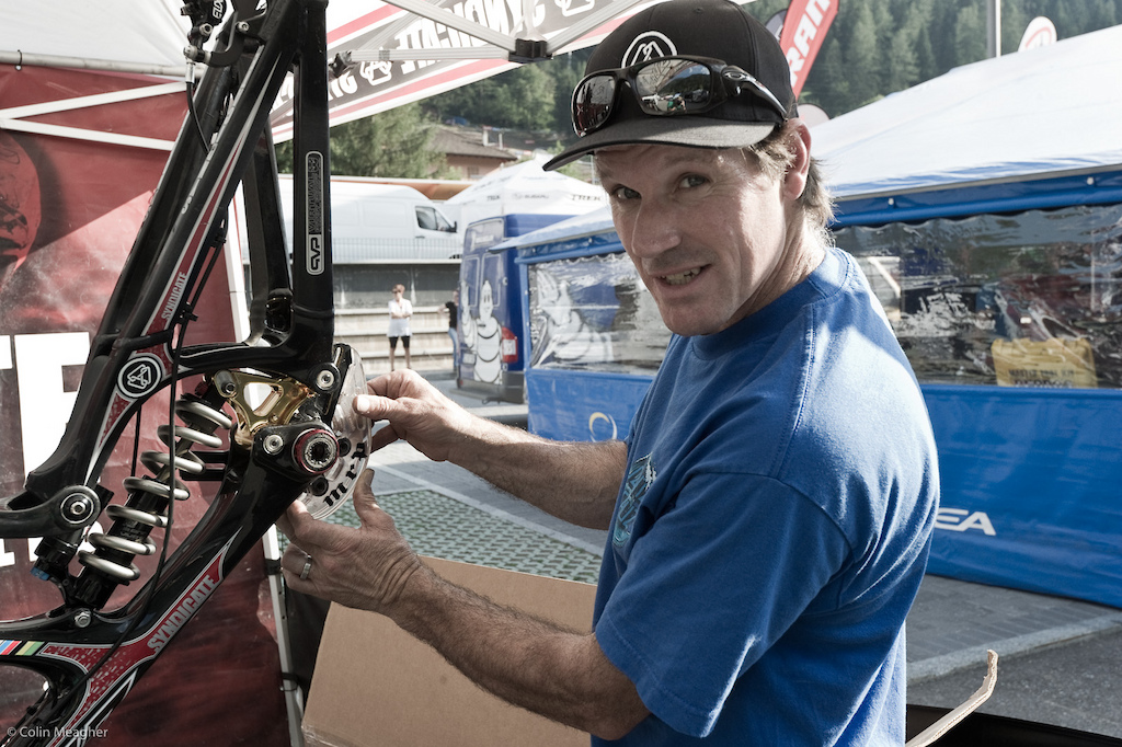 Val di Sole sees the return of Santa Cruz Syndicate s Dougie Fresh one of the more storied wrenches on the circuit. Given how hard Rat boy was on his Bash guards last year here Doug s already retro fitting an extra guard onto Bryceland s new carbon swing arm.