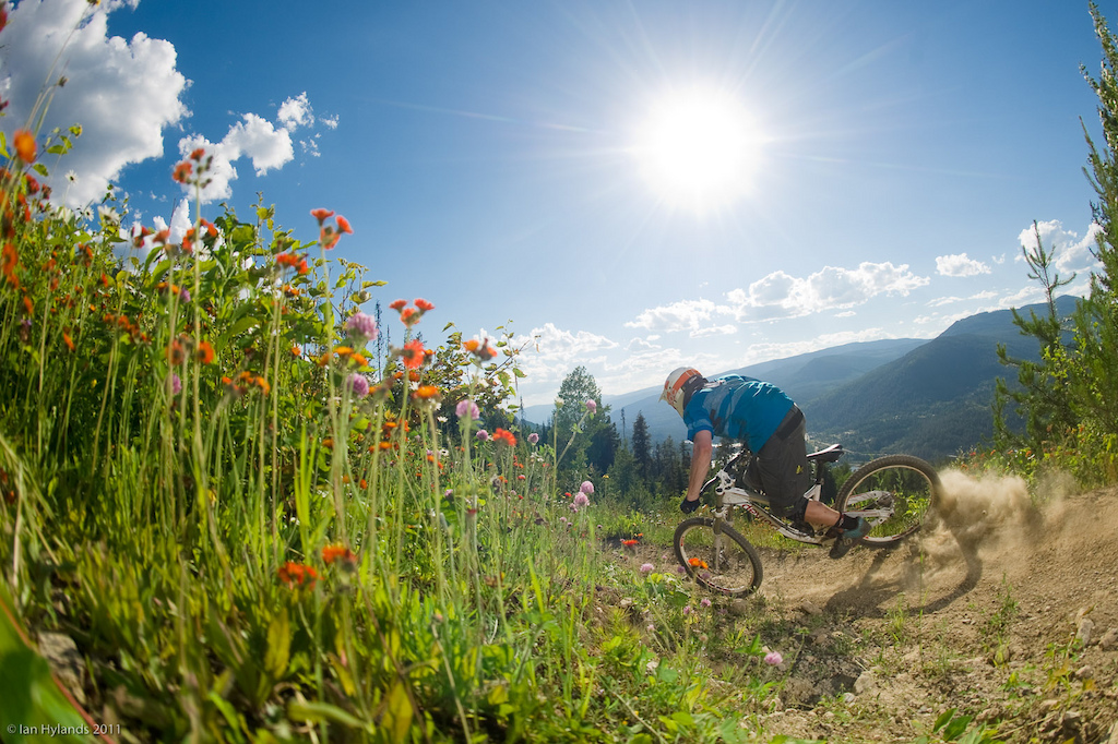 Pinkbike trip to Retallack with Mike Tyler and Ian. Riding near Retallack and the Slocan valley.