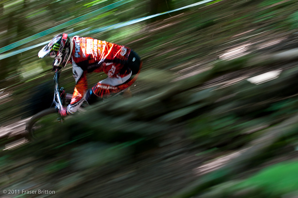 Steve Peat. Countless World Championships and he is still on top of his game. Uncle Steve lead out the whip train this morning with Brendawg Greg Ratboy and more in tow pied piper anyone