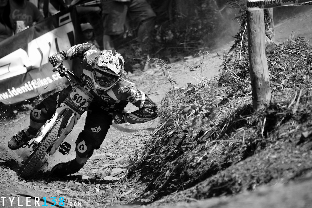 Just looking through some old photos from Nationals at Llangollen BDS in lightroom and had a mess around, usually use PS so trying to convert over.