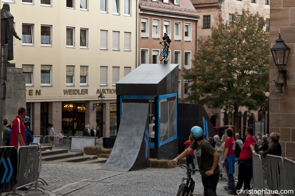 360 X-up Drop Photo Christoph Laue