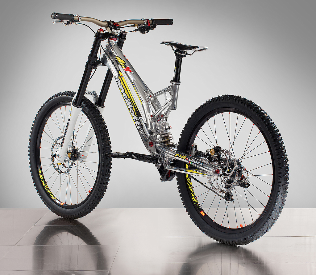 Ancillotti DHY 2012, the brand new bike from Ancillotti for Downhill.