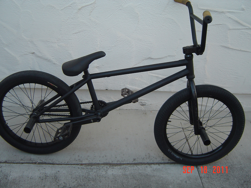 Sprayed my cult os flat black. And animal akimbo cranks and Cult Dak Seat..also got animal nigel seat i switch it up son
