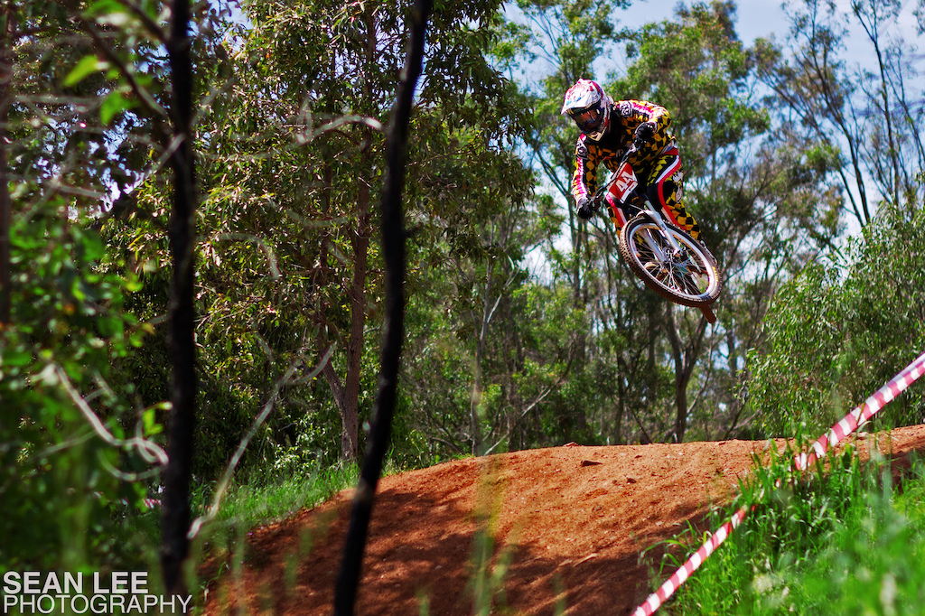 10 seconds off first...on a hardtail. This kid is insane!