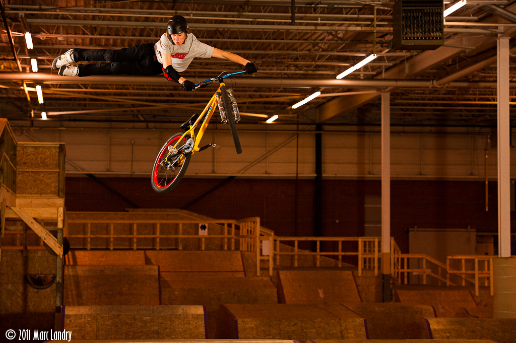 Brett busting a massive no-foot-can at Joyride 150 in Toronto.