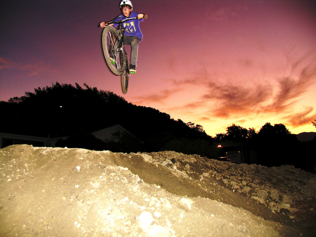 me jumpin the dirty dirt jumpness