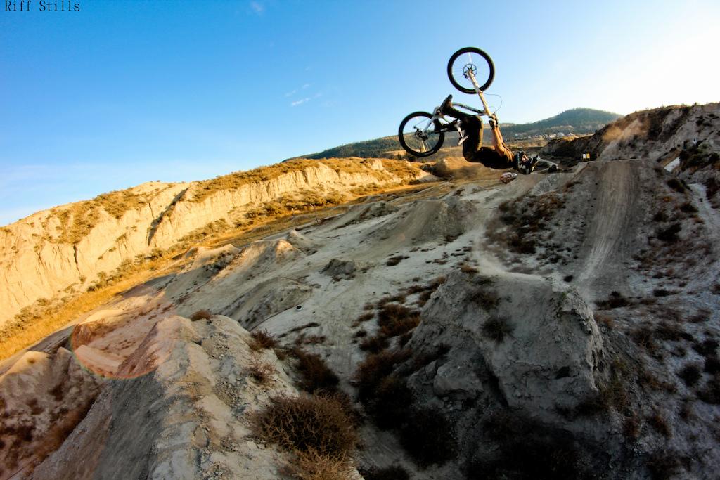 big set, big bike, big flip !