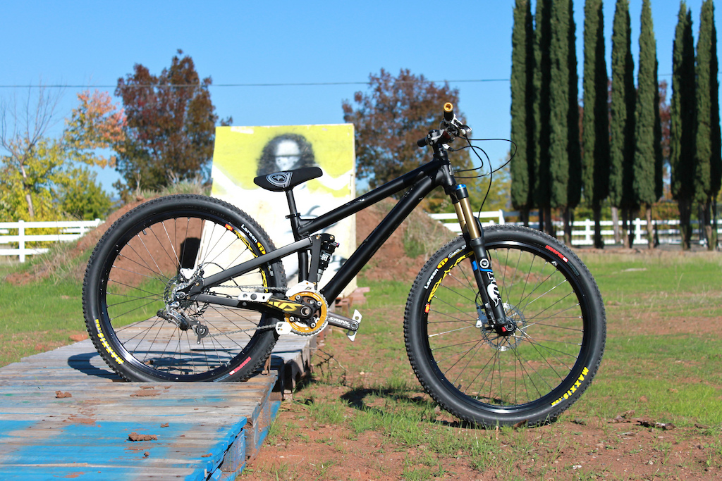 New Larsen TT's on the Killswitch Thanks to Kyle(:  Trick jump is almost there!