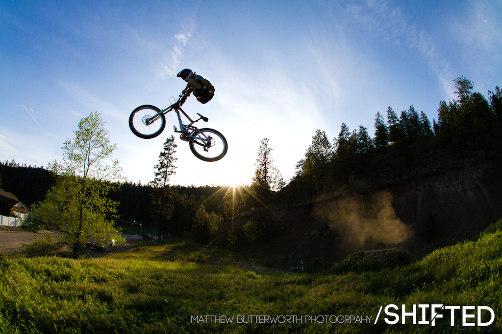 Jeremy Weiss with a big no foot can over the booter in Kelowna. If you want to know whats going on with the film join our facebook group Will be posting behind the scenes stuff in there as well. www.facebook.com shiftedbikefilm