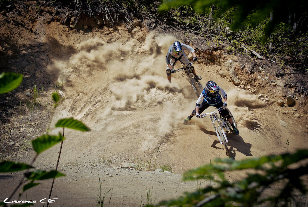 2up Drifts with Yann and Martin on a very summer day in Whistler Bike Park - Laurence CE - www.laurence-ce.com