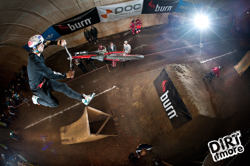 Dartmoor Team riders dominated Burn Dirtpark opening contest in Warsaw. Tomas Zejda with his new Two6Player won the overall classification. Congratulations !!