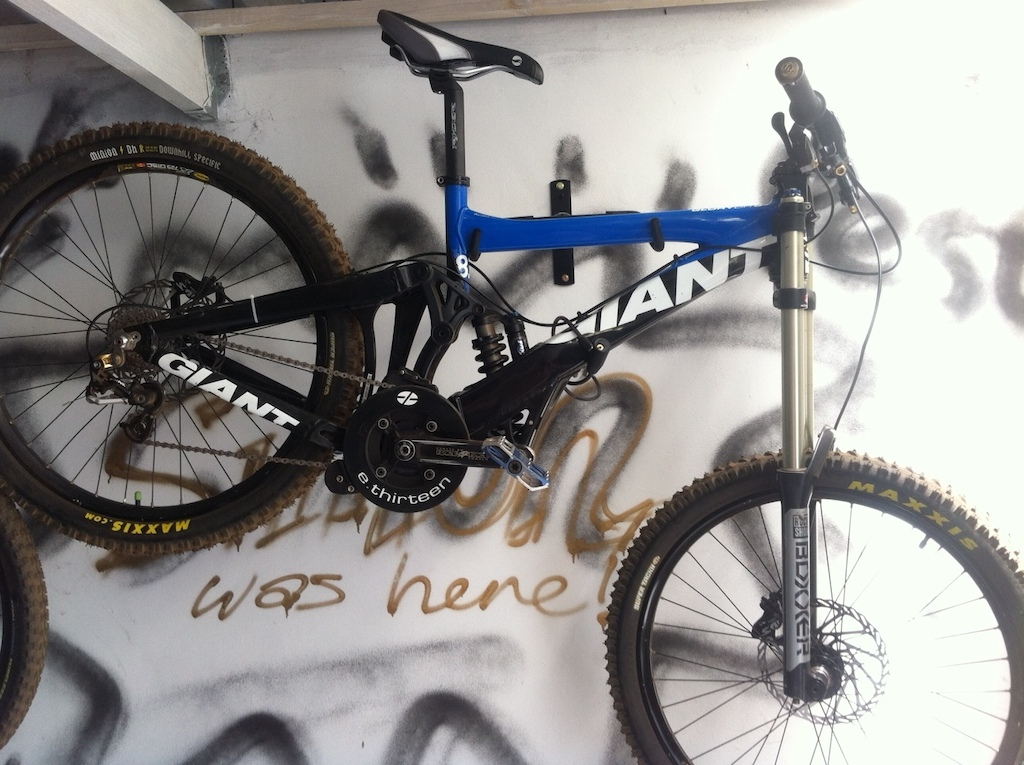 Another pic of my DH bike, just hanging in my garage.