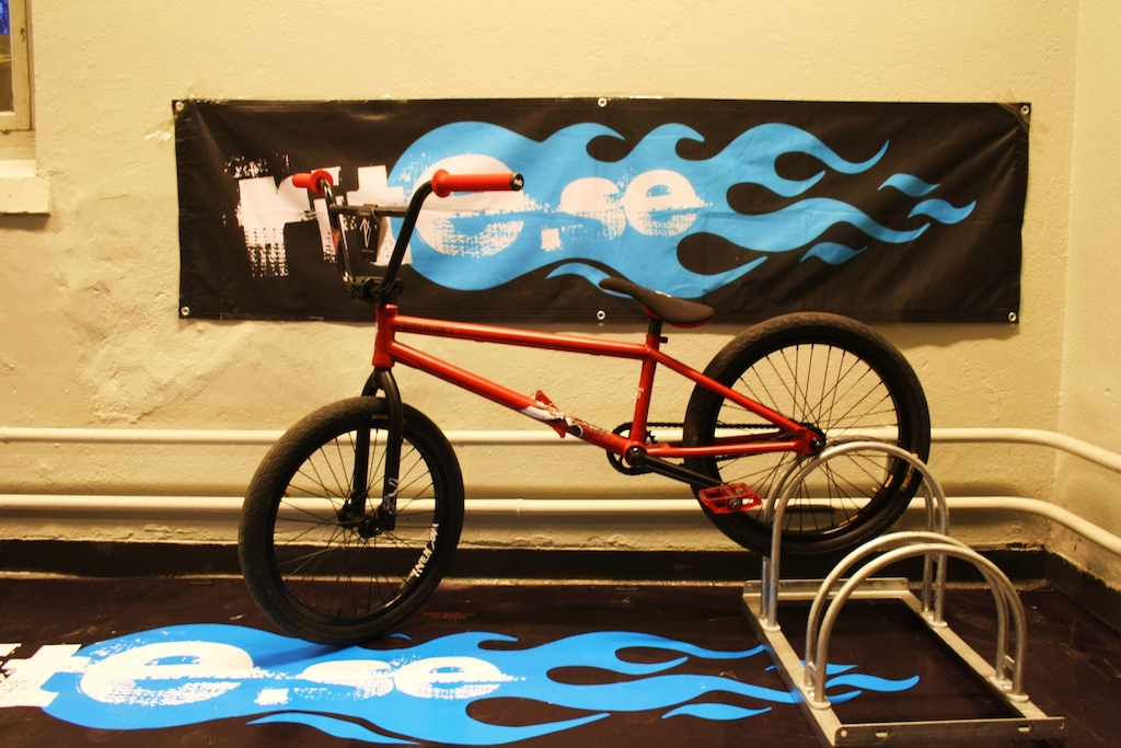 My new ride that I got from my sponsor, Tempered bike with Macneil, flybikes and volume parts!