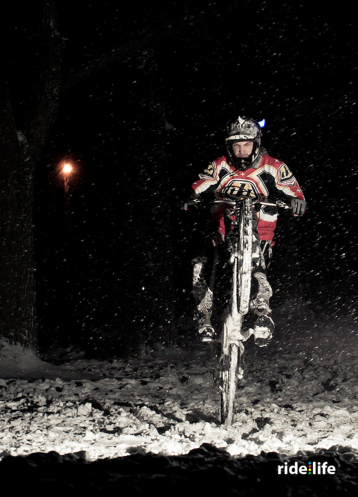 Some ride at night in the snow. It was really fun, each for ride and photo