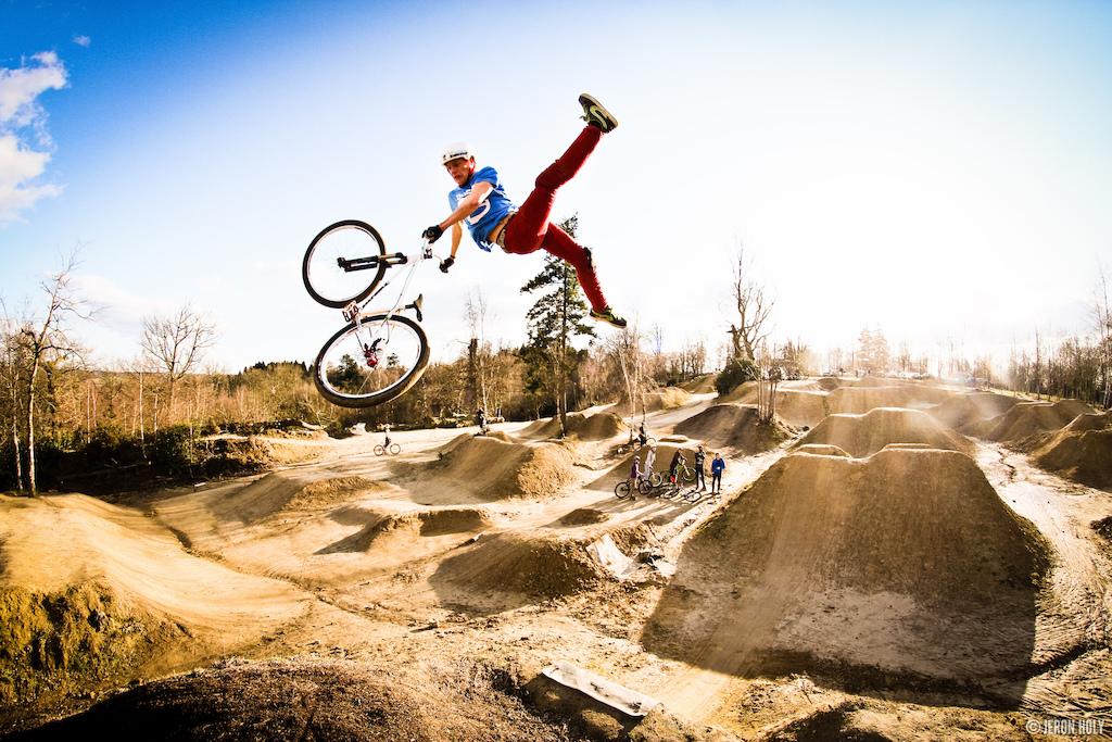 Some mud stunts