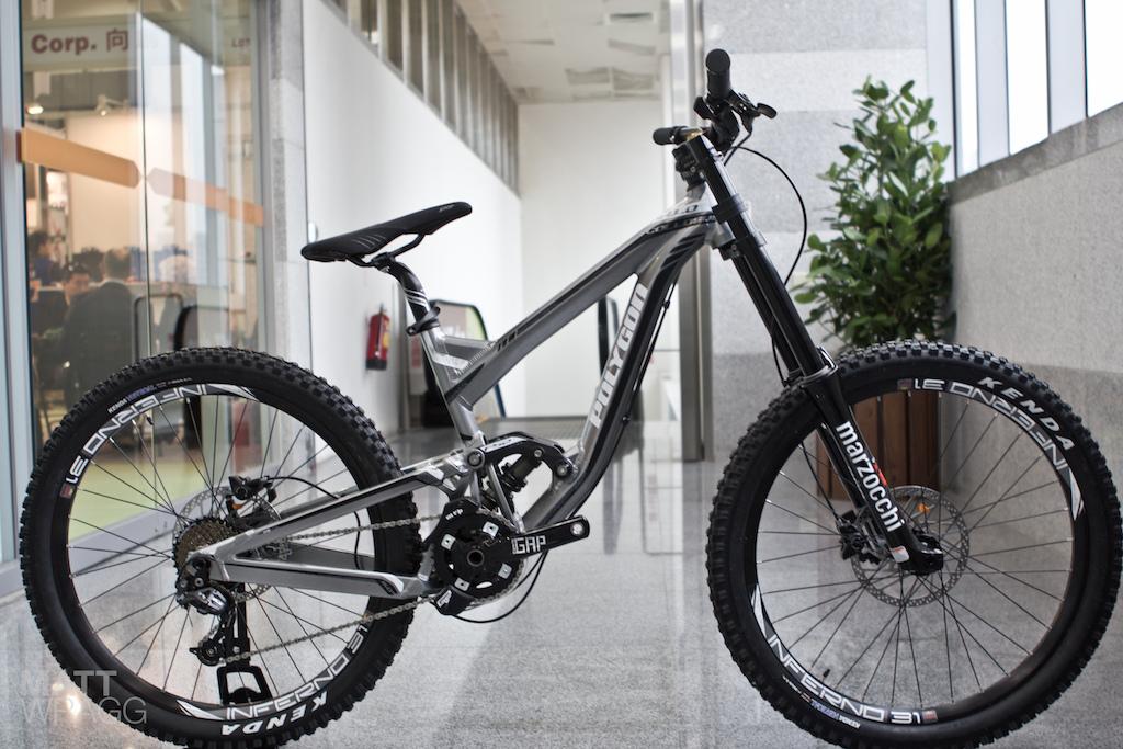 ea8c6e50a37 First Look: Polygon's New Downhill Bike - Pinkbike