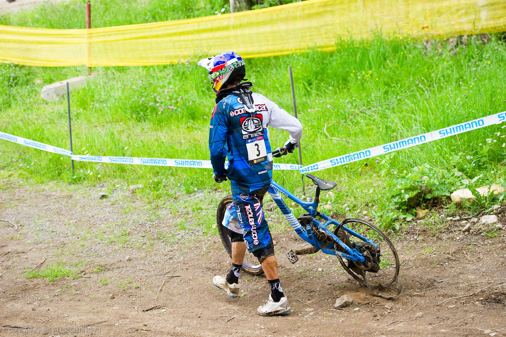 2011 was a rough year for Gee Atherton. Mechanicals were the monkey riding his back the season long. In particular. this blown tire at Mt St Anne dashed his chances to beat Minnaar as the 2011 runner up behind Gwin. A bitter pill for someone as driven as Gee-man. But a new ride on GT wipes the slate clean for 2012.