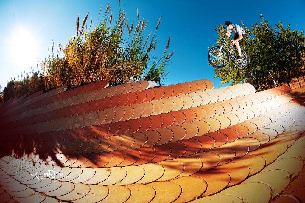 Szymon Godziek at Barcelona banks with his Cody. Photo by Kuba Konwent. Ride Your Way 2 Bling.