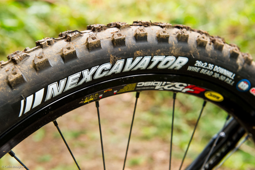 On his home turf Luke is rocking a set of stock 2.35 Kenda Nexcavater meats with the RSR sticky compound. A life-long Maxxis Minion DHF rider Luke was pleasantly surprised by the Nexcavator s grip even though he wasn t riding it tubeless.