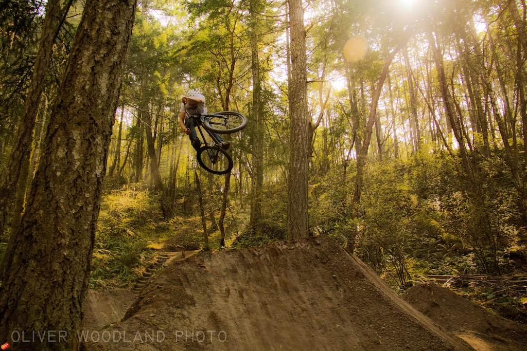 Slapping some dirt ramps with a fatty euro!