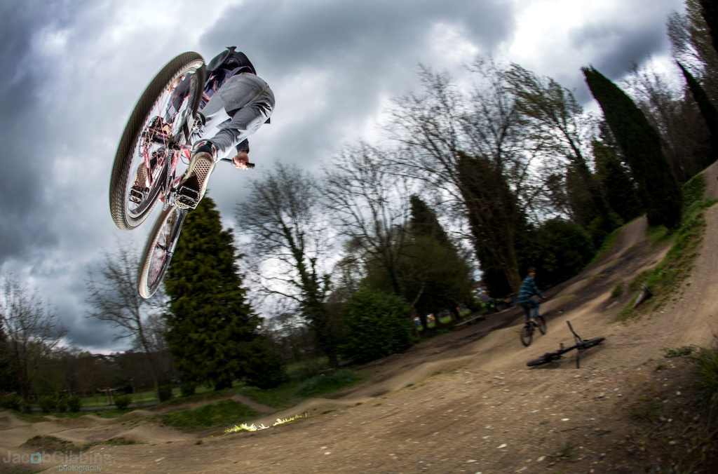 My mate joe getting her sideways down the trails this afternoon