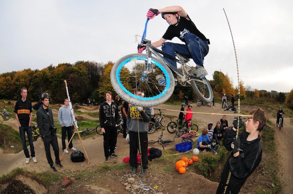 Halloween Jam, Bolehills style.  Seabass, high jump.