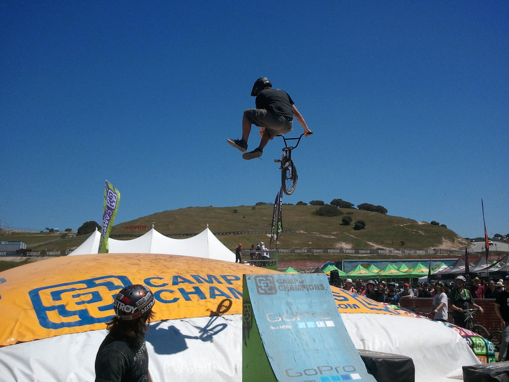 sloppiest tailwhip attempt ever.  Dude on the left was doing bike flips.
