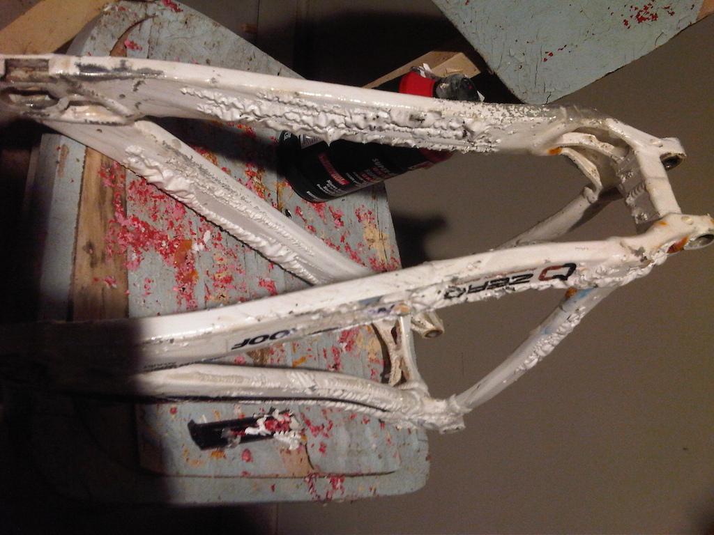 Mondraker Summum  Stripping the paint