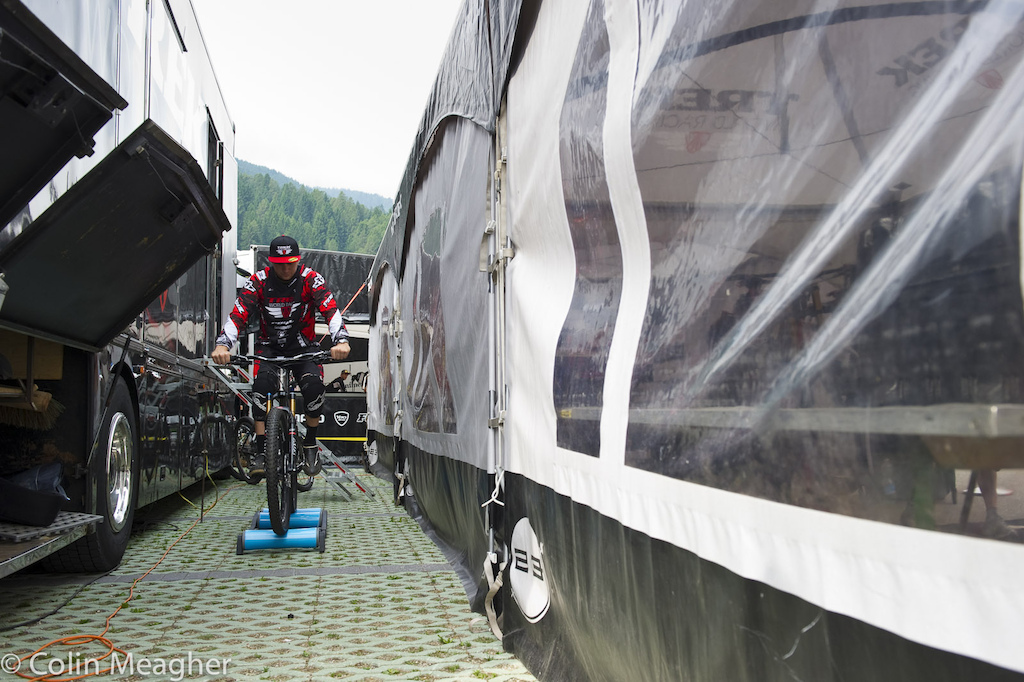 Warming up...Justin Leov s had a few rough rides here in Val di Sole but the Trek World Racing rider has that in the rearview mirror as he prepares for this year s race.