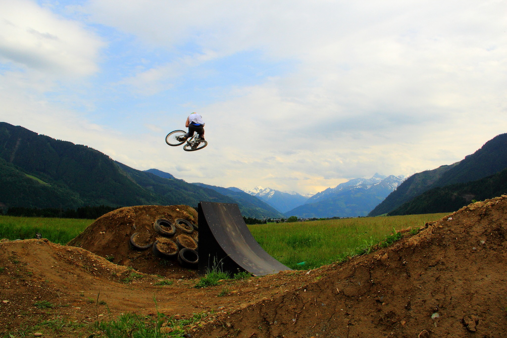 A nice tabletop at Hinterglemm. Sick scenery with these wonderful alpes.