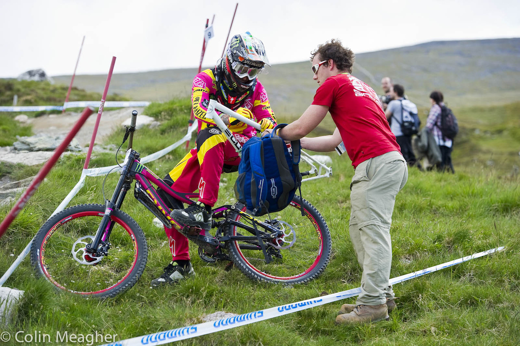 Funniest damn thing Sam Hill pulls off to check a section of track and almost instantly gets accosted by a fan with a bike frame on hand for an auto graph...