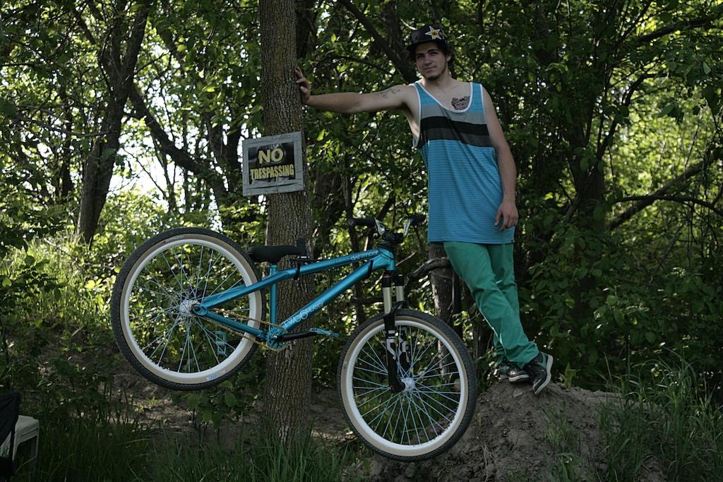 Bike check photo for Tricky Nicky.