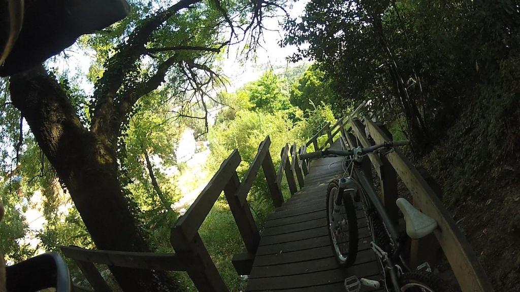 Ride por Leiria depois da época de exames. / finally after my exams I can ride! visit: www.ZEMTB.pt.vu
