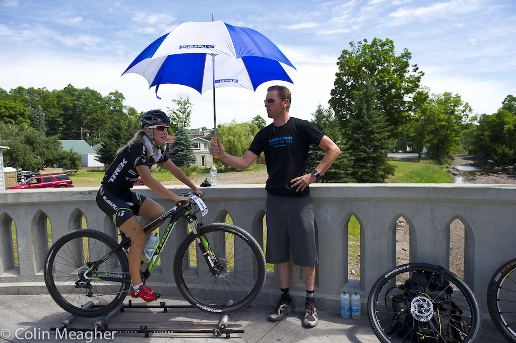 Emily Batty had the cool shade of an umbrella boy as well as ice packs down her jersey.