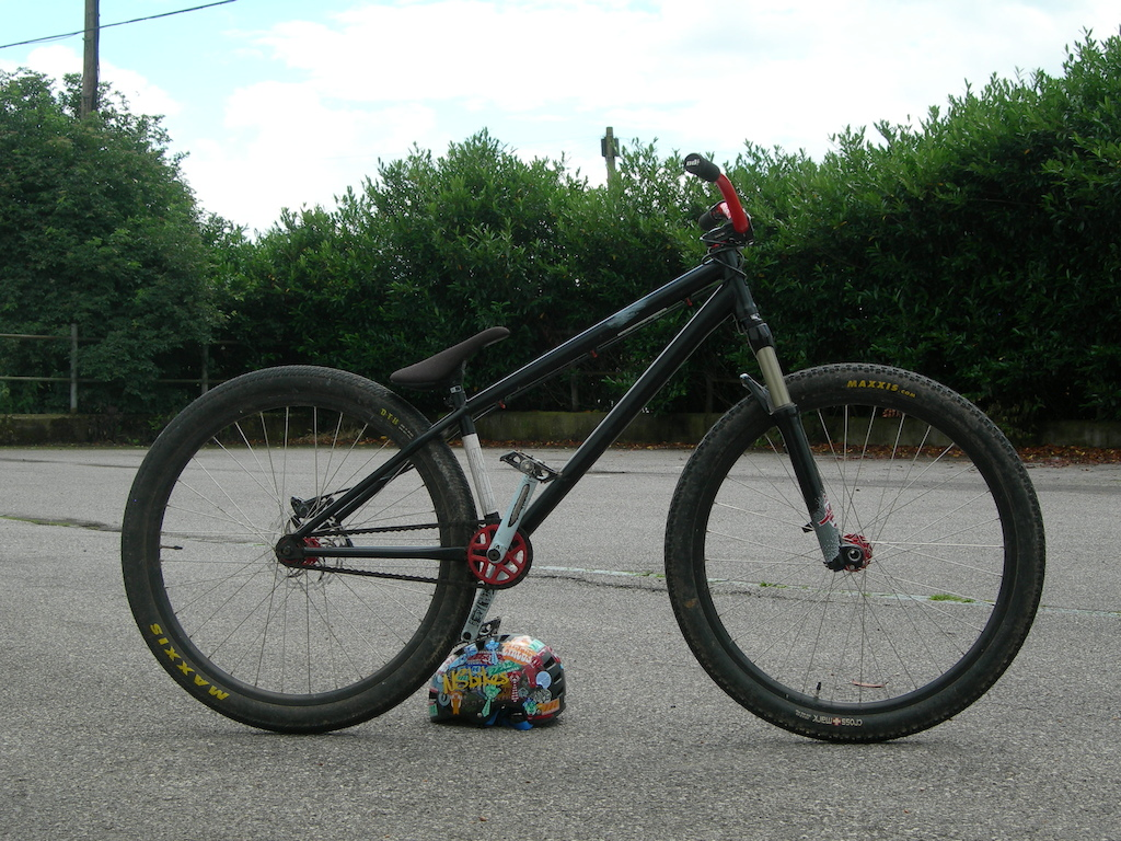 My Specialized Street prototype now complete with scuff to the top tube. I am not a sponsored rider. I was given this frame to test off of the back of providing good feedback. Manitou circus Expert   Deity Vendetta 3.0   NS Proof   Funn SMX  