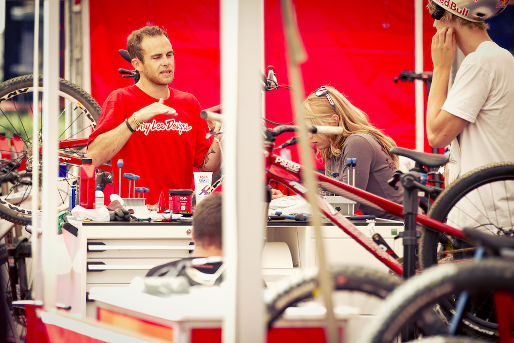 Cam telling them how it is down at the Sram Truck - Laurence CE - www.laurence-ce.com