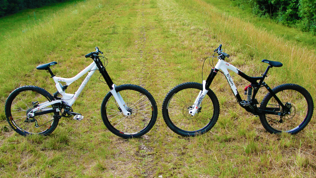 Commencal  Supreme DH 2007 & b'twin FR 10