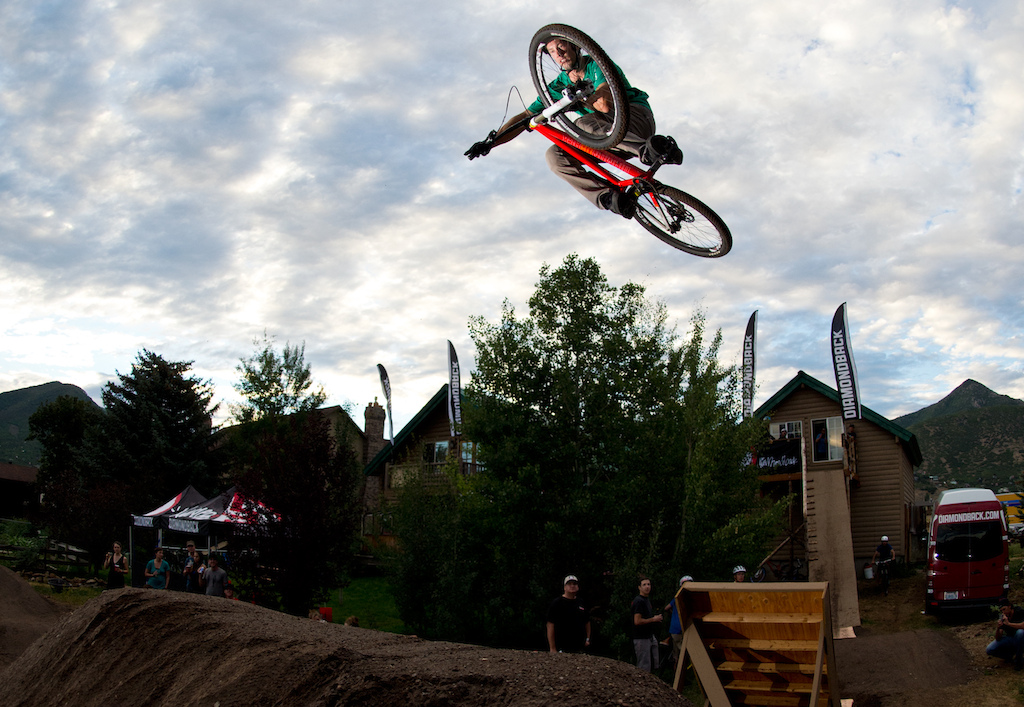Porter getting flat at dusk at the Diamondback 2013 product launch