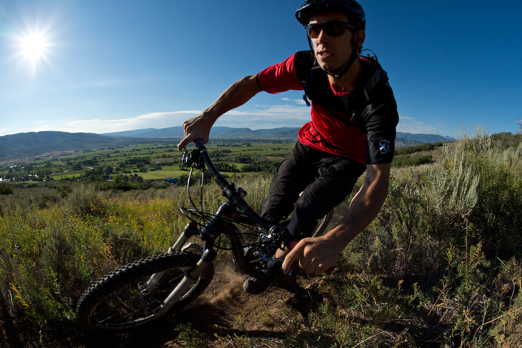 Eric getting some early morning light on his Diamondback Sortie 29er