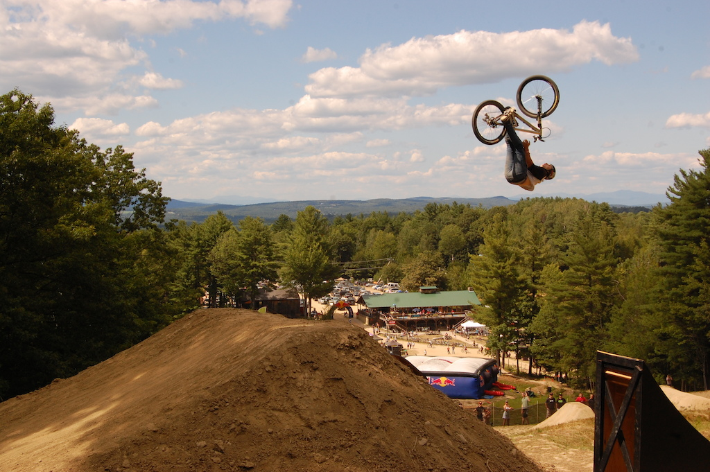 Back flip bar spin