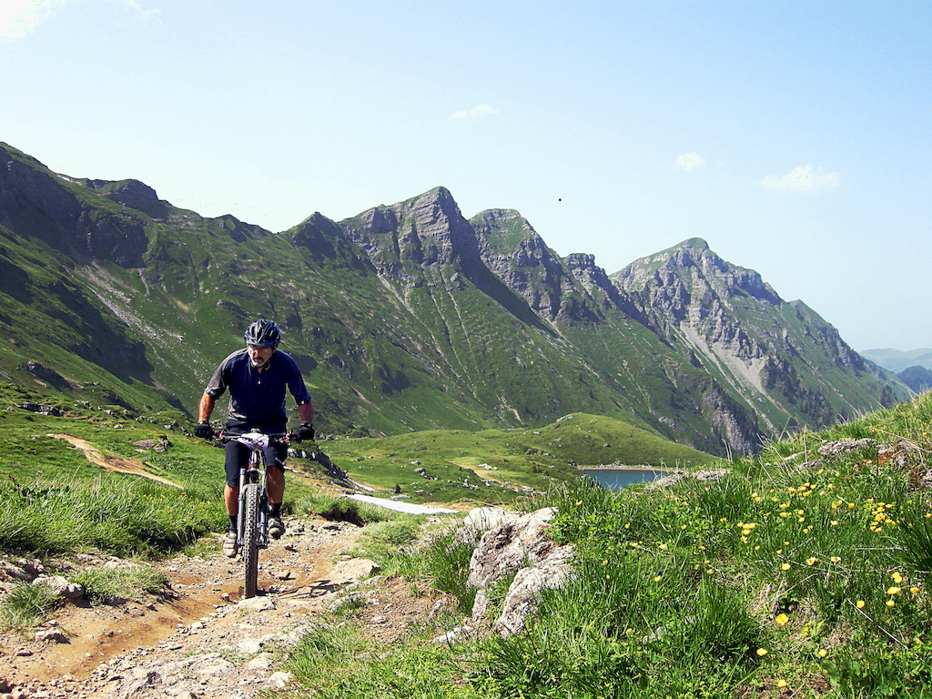 Lapierre 2013 RC on the Zesty in the French Alps - Lorna Schouten photo