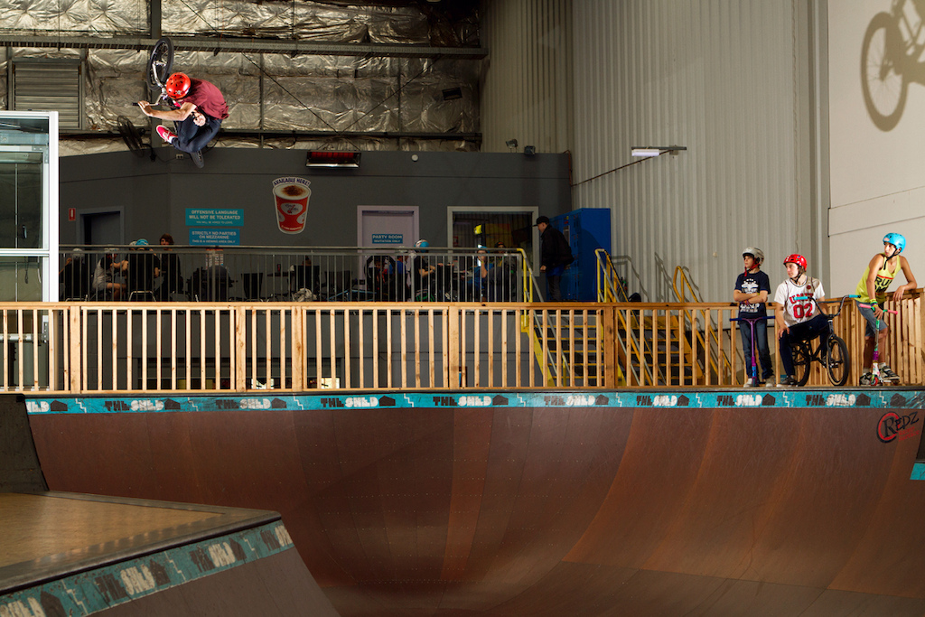 Large and super clicked invert, Micky has this trick down pat. I could watch him for days on end.