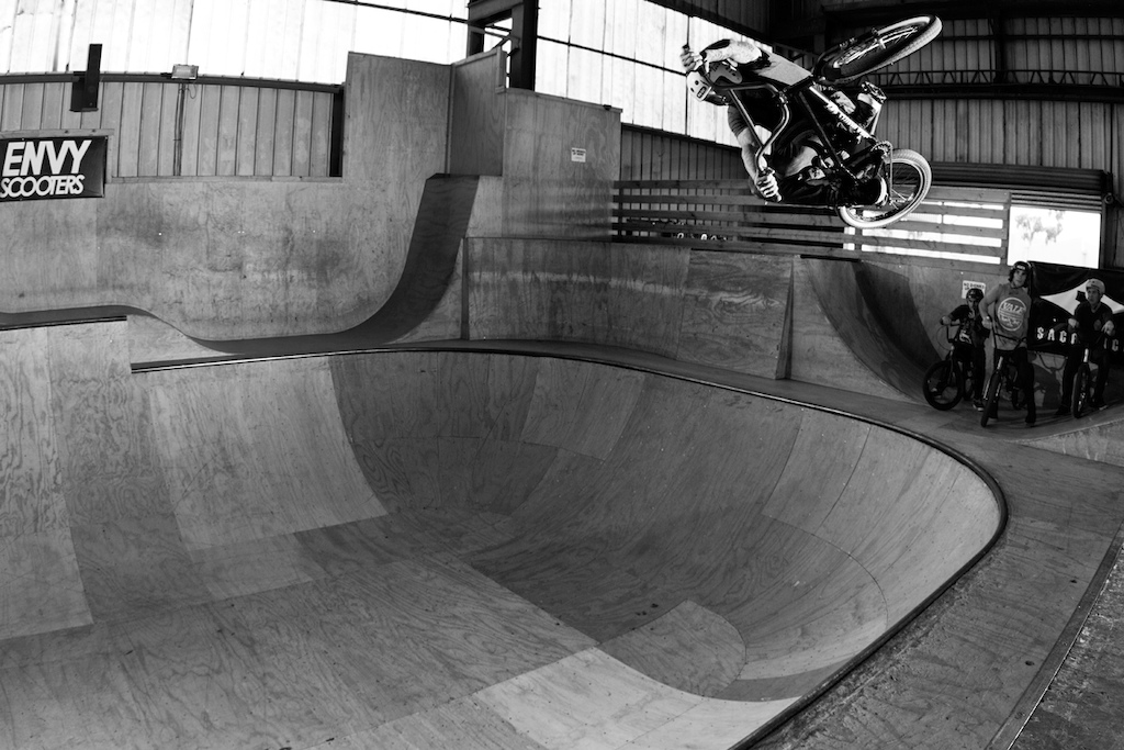 Darren blasting a euro in the bowl on little wheels. Been a while since he's had a big bike, but either way, he shreds so hard still!