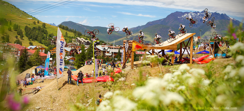 Cam Zink with the wildest stepup/stepdown combo at Crankworx Les2Alpes... stoked to hear that he's okay after his big crash in Whistler and going to ride the Rampage!