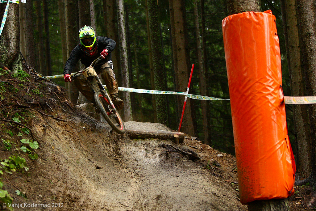It rained non-stop since Thurseday late evening here in Leogang so the course was running insanely fast