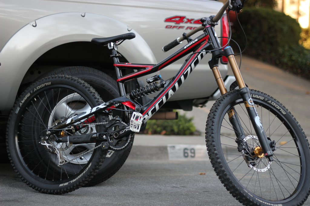 My new 2012 Specialized Status!! Everythings lookin fresh!