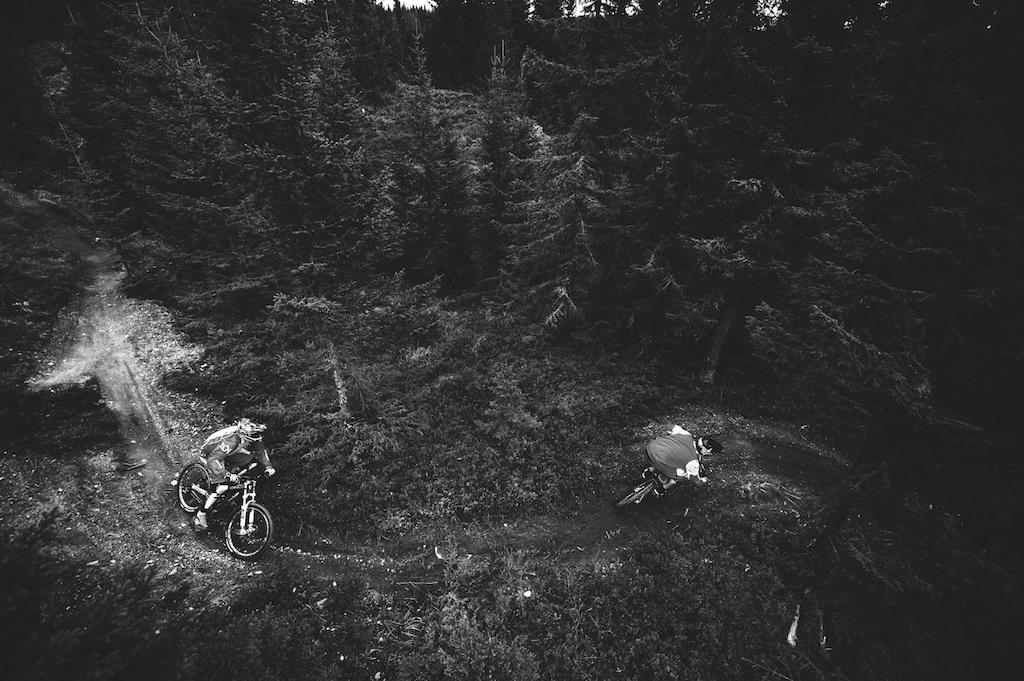 Maurice Pauley amp Trond Hansen ripping some singletrack in Hafjell bikepark.