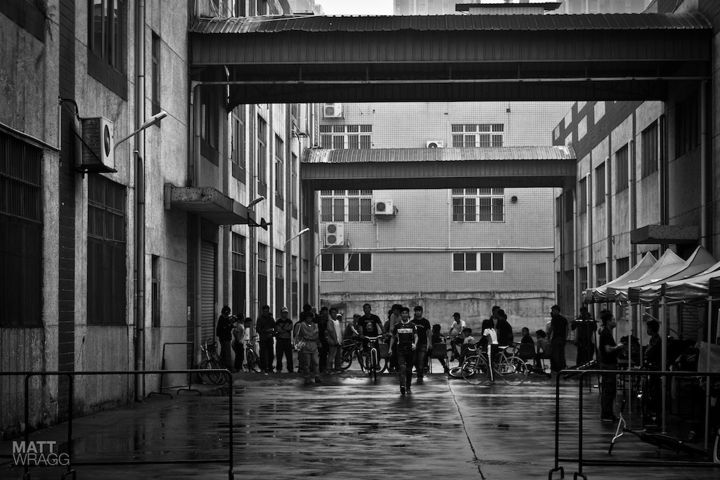 The fixie kids head for the stage.