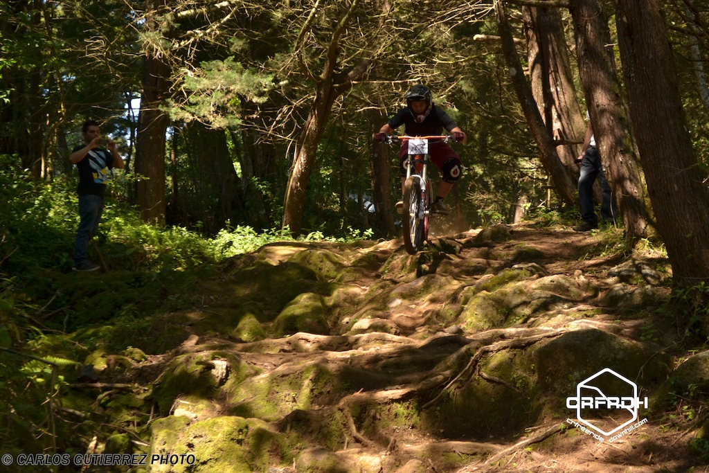 Race held in a trail that was not used in 2 years for racing, one of the gnarliest secctions...