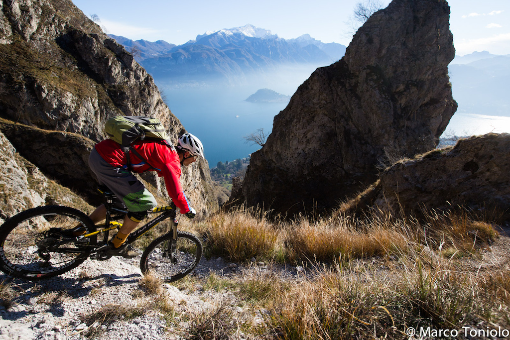 Winter riding at Lake Como